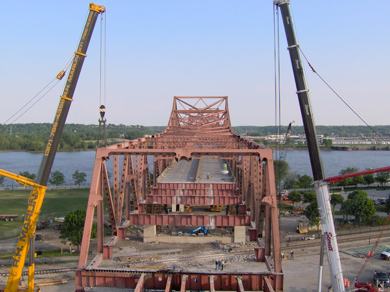Murray Baker Bridge heavy/highway construction project in Peoria, Illlinois